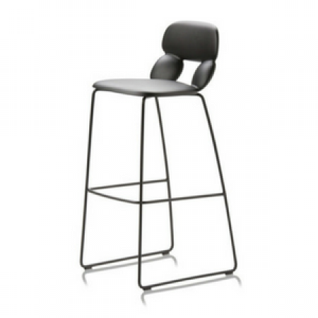 HUGHES_NUBE_stool